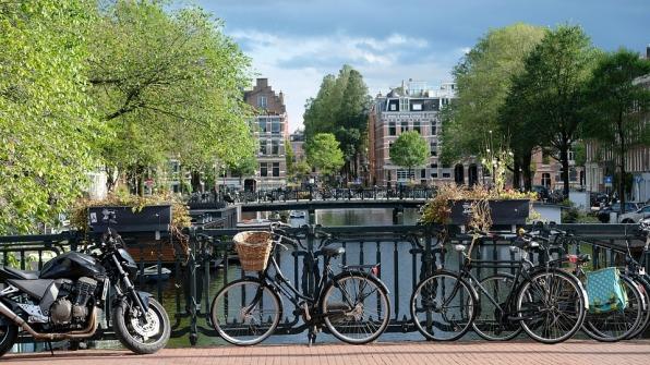 amsterdam-2799491_960_720